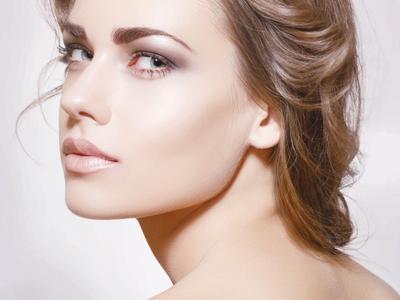 如何应对换季皮肤干燥敏感问题